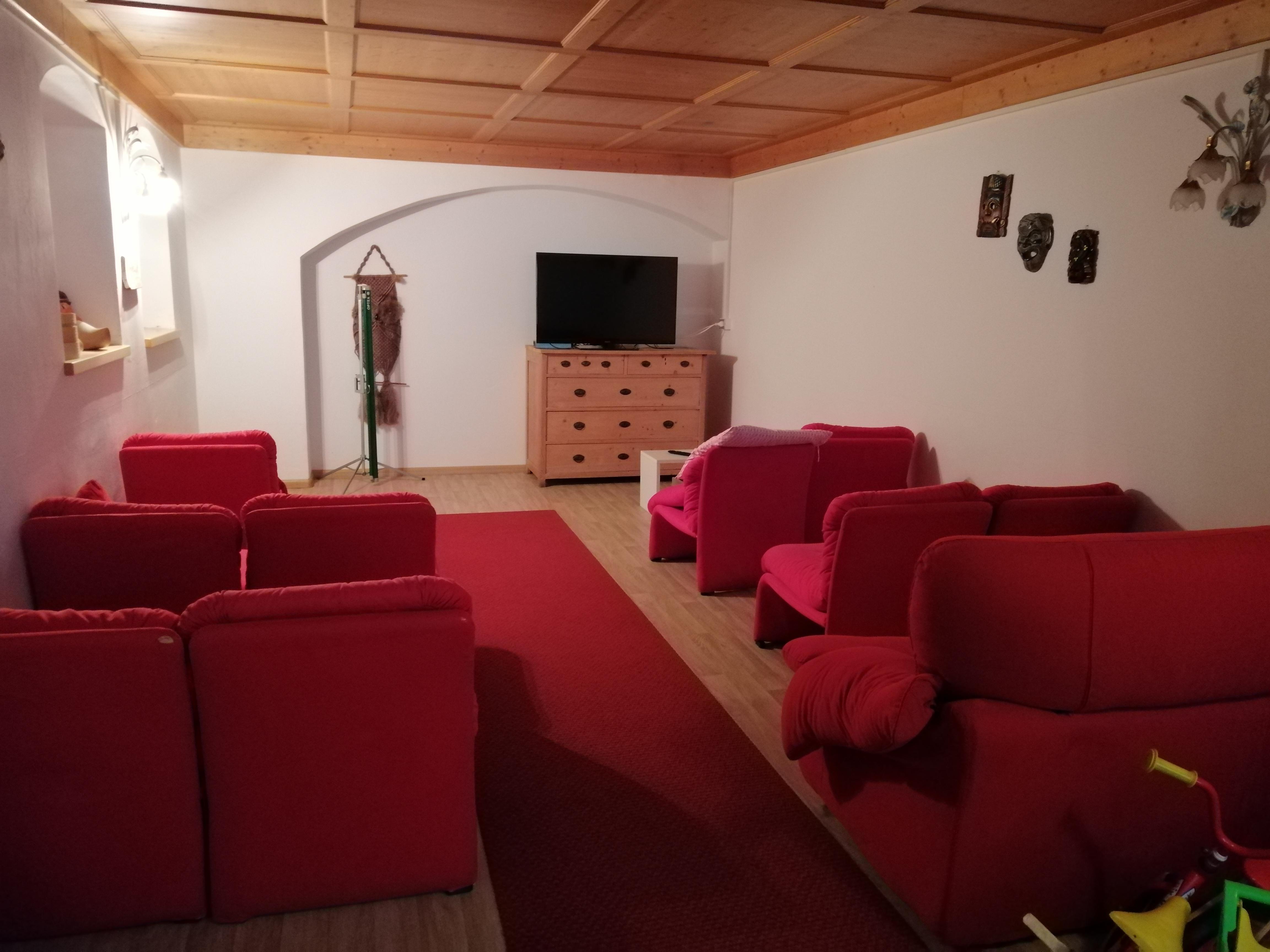 Hotel Sassleng sala cinema